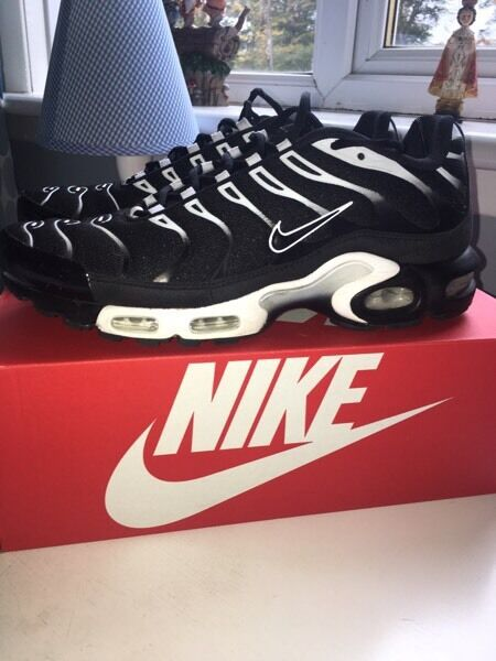 womuz Nike air max plus/ TN\'s men\'s size 9.5 black/white | in Eaglesham