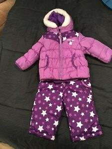 Oshkosh snow suit 12 months  Cambridge Kitchener Area image 1
