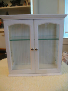 VINTAGE WHITE DOUBLE-DOORED MINIATURE CURIO CABINET with SHELF W