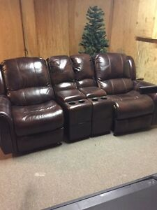 Leather recliner London Ontario image 1