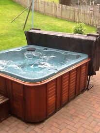 Hot tub For Sale - Excellent Condition Artic Spa C25 . Seats 6