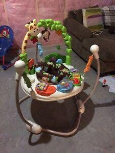 Exersaucer/Baby activity bouncer