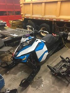 2016 Ski-doo Summit X 163 T3 with Warranty