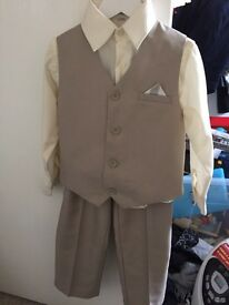 Boys 3 piece suite age 4-5