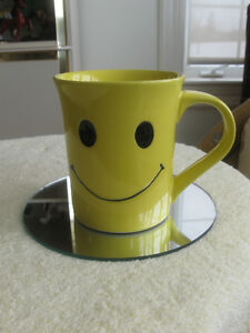 EXTRA-LARGE HAPPY-FACE COFFEE / TEA MUG for GRUMPY
