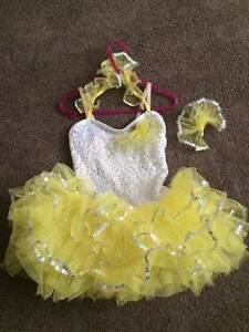 JAZZ DANCE COSTUME, VERY FRILLY, MATCHING HAIR CLIP, SIZE 7, POST Beaumont Hills The Hills District Preview