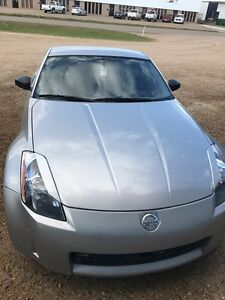 Nissan 350z very clean