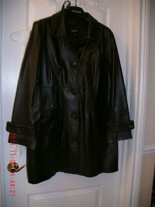manteau en cuir brun Danier - 2XL excellente condition 38'' long