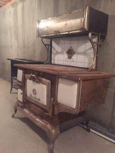 Old burbank stove and three burner unit