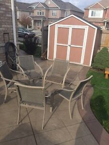 New patio set for sale
