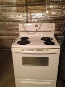 Kenmore 18c ft Fridge and Stove (self cleaning oven) Strathcona County Edmonton Area image 3