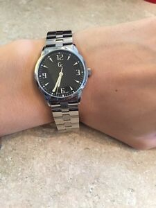 BRAND NEW Guess women's watch London Ontario image 4