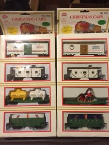 HO Train Cars - Limited Christmas Edition