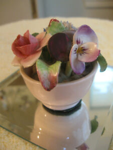COLORFUL FINE CHINA FLORAL BOUQUET [as is]...