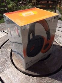 SMS Audio Street by 50 Cent. !BRAND NEW! Boxed in original film. Sport headphones. Black and Orange.