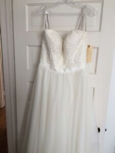 Wedding dress - never worn, tag still on