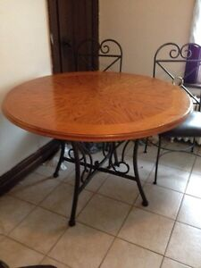 Buy Or Sell Dining Table Sets In Leamington Furniture Kijiji Classi