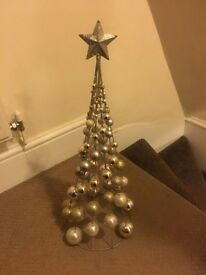 Gold bauble tree (NEXT)