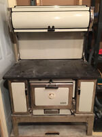 Antique Wood Cook Stove in MINT condition!