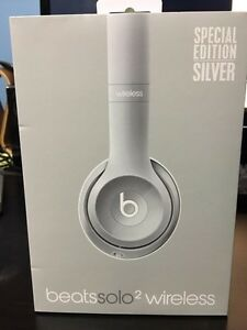 Beats Solo 2 wireless headphones for sale