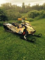 DEAL !! 2014 SKI DOO SUMMIT 800 R 154 ONLY 7900$ OBO !!
