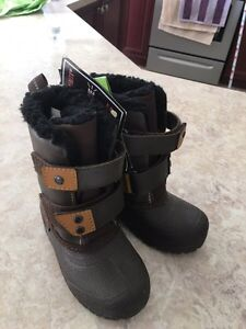 Boots size 8 for baby Boys West Island Greater Montréal image 4