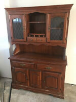Buffet, vaisseillier antique en bonne condition AUBAINE