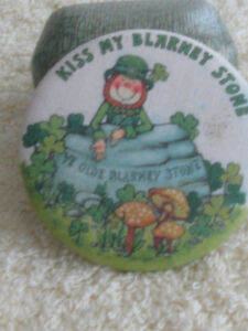 FASCINATING OLD VINTAGE BLARNEY STONE COLLECTIBLE PIN
