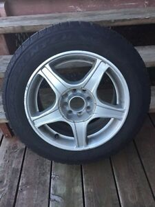 Winter tires 185 65R 15. On alloy rims.