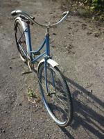 Vélo antique 60$ DOIT VENDRE!