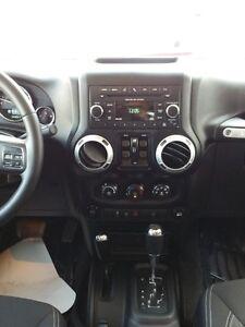 2013 Jeep Wrangler Unlimited Sahara PST Paid Hard and Soft Top Regina Regina Area image 14