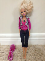 VIDEO BARBIE - Used maybe 3 times total! TAKES REAL VIDEOS!