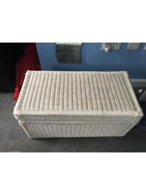 White wicker blanket chest in good condition