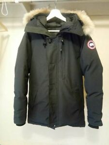 Canada Goose Chateau Parka ( 2 Small Cuts PLEASE READ )