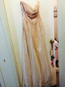 BEAUTIFUL LE CHATEAU DRESS- worn once at prom-!!!! OBO Peterborough Peterborough Area image 2