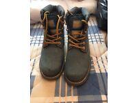 Catapillar boots