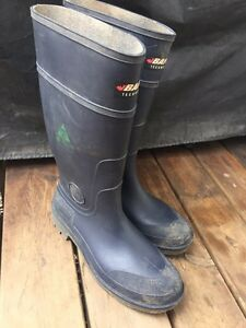 Size 14 rubber work boots