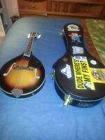 Gretch New Yorker Mandolin and hard shell case.
