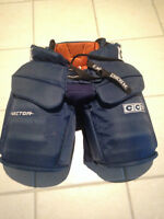 CCM, Junior-Large Goalie Pants