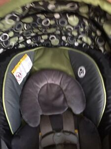 Car seats Kawartha Lakes Peterborough Area image 2