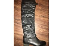 Off black knee high boots SIZE5