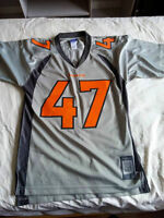Chandail NFL taille small 40$