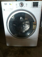 Like new - Frontload Maytag washer