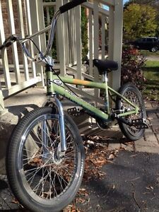 Free agent Flying Fortress bmx(reduced) London Ontario image 2