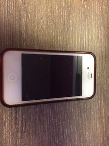 iPhone 4  Lac-Saint-Jean Saguenay-Lac-Saint-Jean image 1