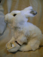 BRAND NEW GOLD SIGNATURE ARTIC HARE WITH SEALED CODE *ORILLIA*