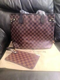 LV bag neverfull with pouch