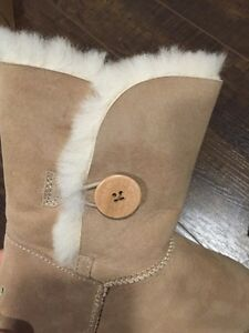 UGG BOOTS BAILEY BUTTON West Island Greater Montréal image 4