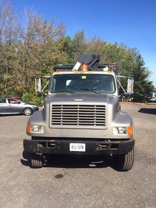 1994 International with 14 foot dump box