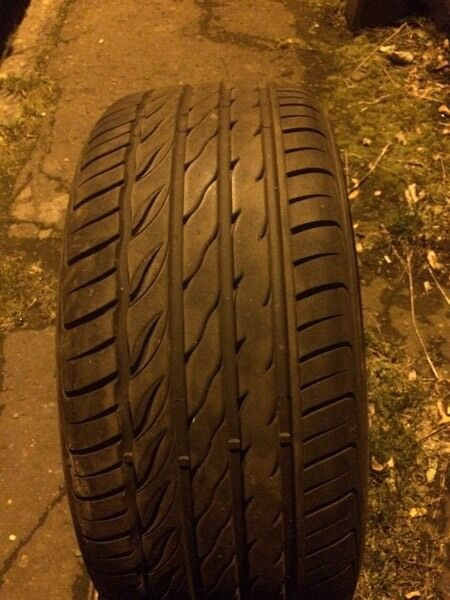 235 45 17 tyre nearly new good condition